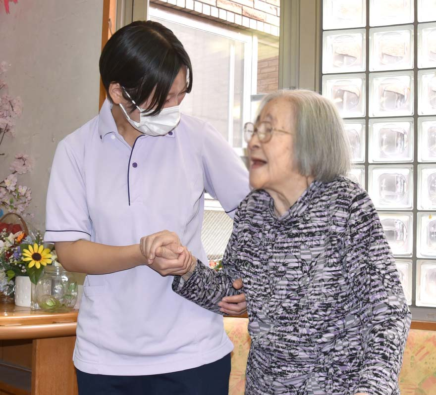 北新宿特別養護老人ホーム 勤続4年 介護員